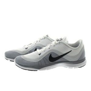 Like-new Nike Flex Training sneakers